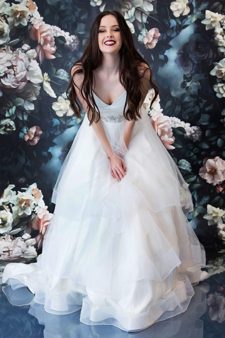 25+ Valentino wedding dress short information