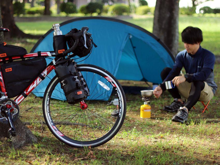 自転車旅が楽になる 利用頻度別に分別収納が可能な トリプルストレージフレームバッグ 発売 自転車 旅 自転車 フレーム