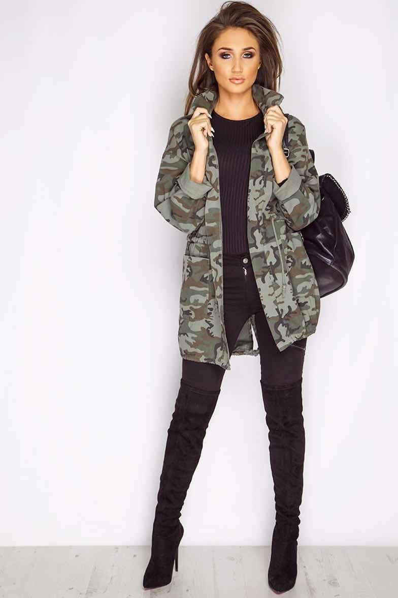 Los outfit más chic con chaqueta militar de mujer  1274cd1ce556