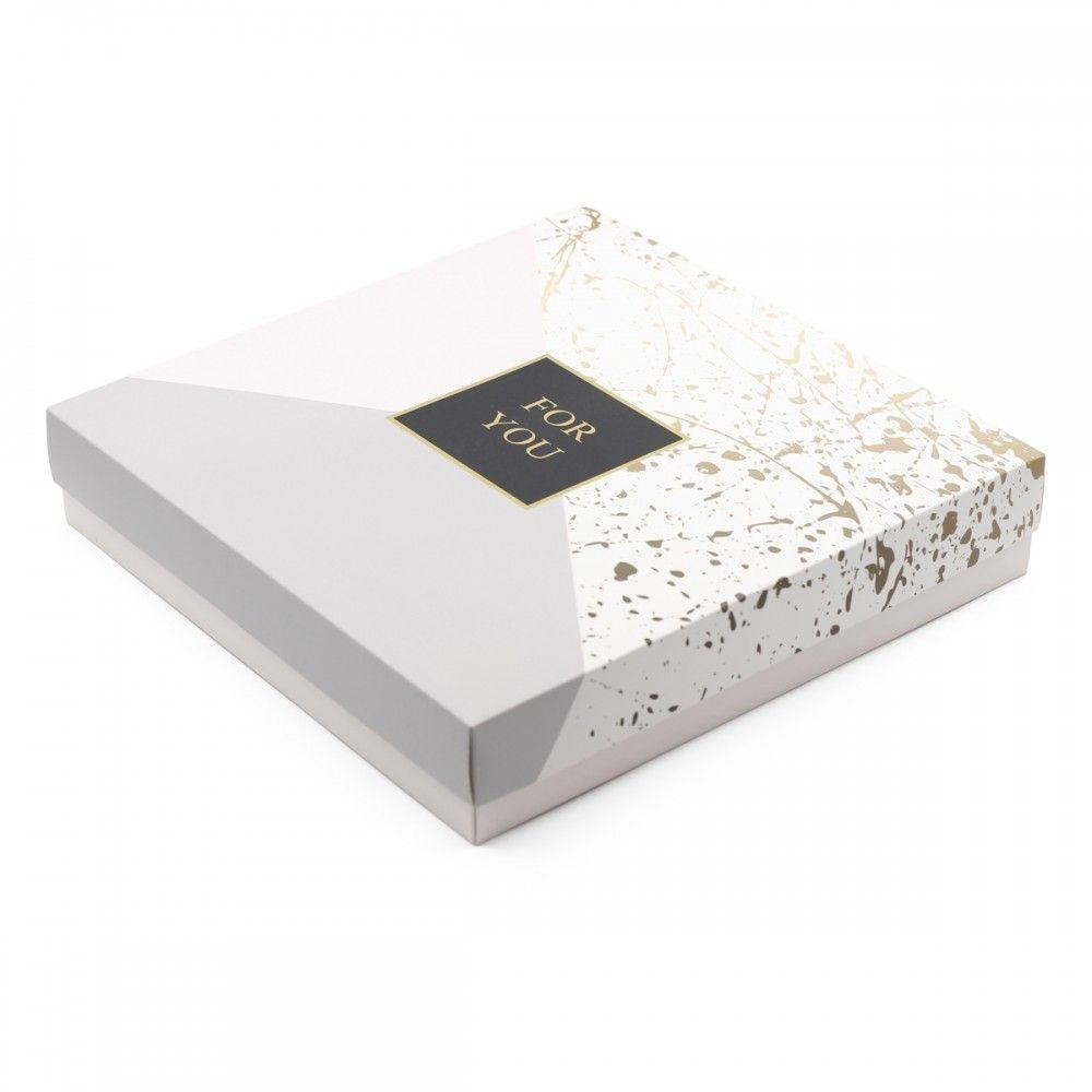 لتقديم الفطائر الحلويات والساندوتش علب بتصميم فاخر مع مدخلين لعلبتين صوص تحتوي العلبة على 3 أقسام طول وعرض القسم المستطيل Decorative Boxes Home Decor Decor