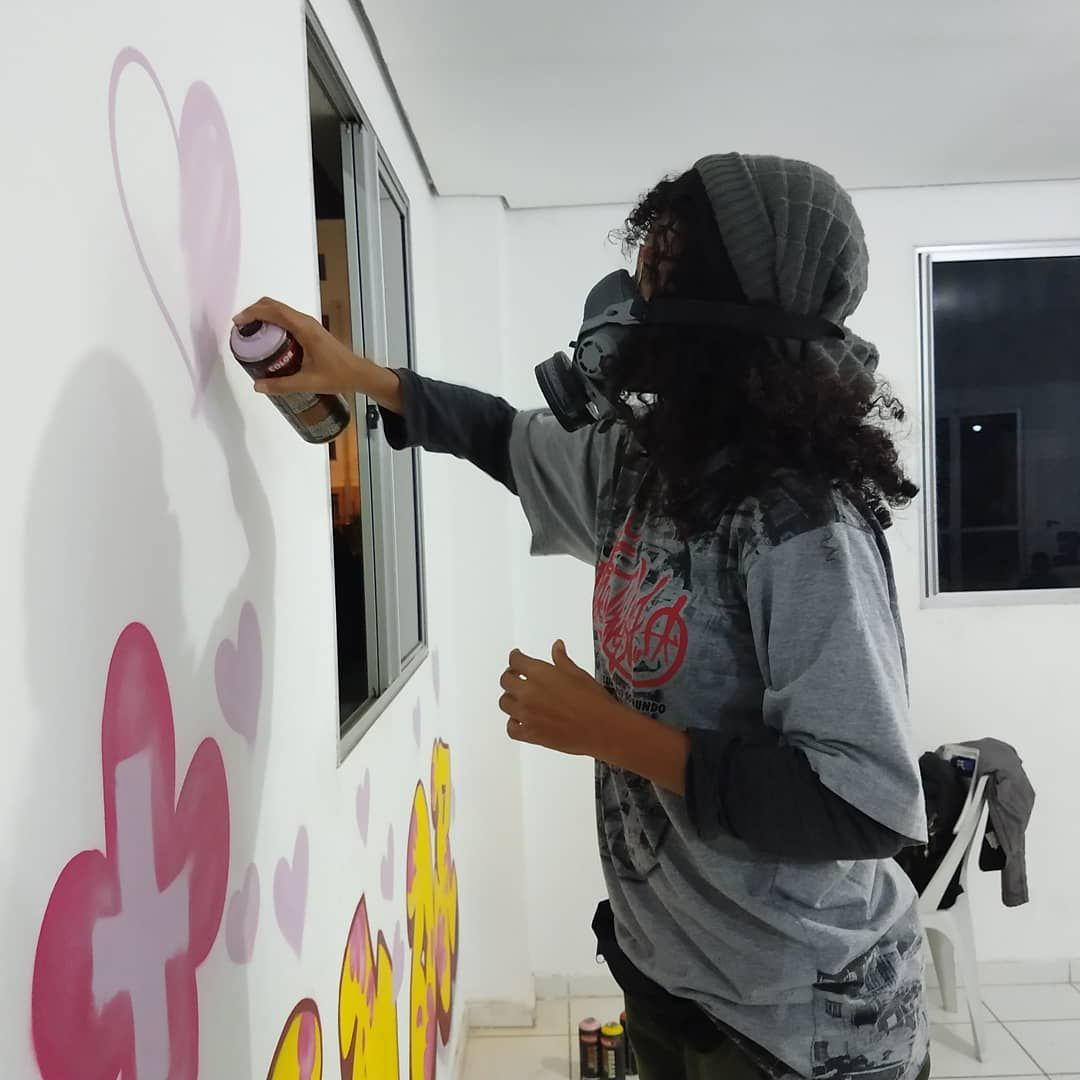 #paint #painting #artsy #artoftheday #artlife #art #paintings #farbe #painter s vezes necessrio deixar seu corao no que faz...#graffiti #streetart #art #graffitiart #urbanart #coracao #mural #artwork #urban #street #hiphop #spraypaint #amor #desenvolvimento #sprayart #paint #painting #arte #instagraff #wall #bombing #love #instagraffiti #style #lubrasilart #lubrasil #graffitilife #graffitiword