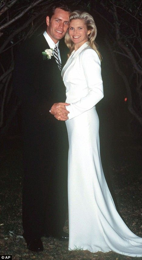 Christie Brinkley S Wedding Dress Picture 1 This Is A Lovely