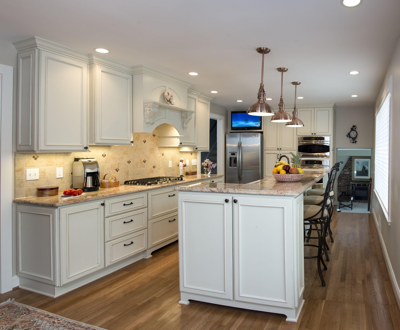 Off White Kitchen Cabinets By Applianceland Com Gold Kitchen French Kitchen Decor Rose Gold Kitchen