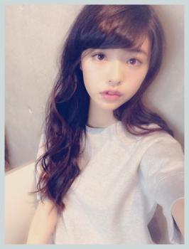 髪のアクセサリーが素敵な鈴木優華さん