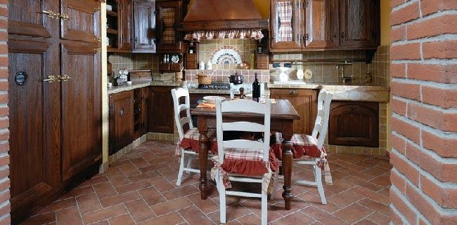Arredare la cucina con i pallet 5 idee originali for Cuscini per sedie da cucina country