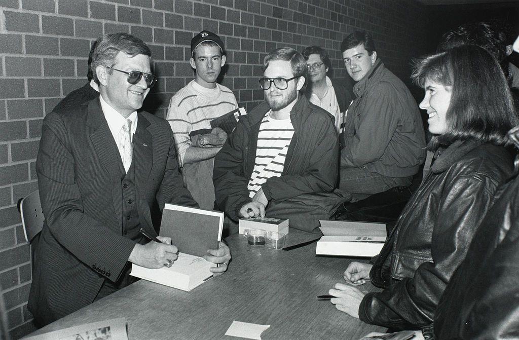 Thomas Leo (Tom) Clancy jr. (Baltimore, 12 april 1947 – aldaar, 1 oktober 2013[1]) was een Amerikaans auteur van politieke thrillers, gebaseerd op concepten ontleend aan inlichtingendiensten en de militaire wetenschap; zijn naam is tevens een generieke aanduiding voor soortgelijke boeken die door andere auteurs worden geschreven.