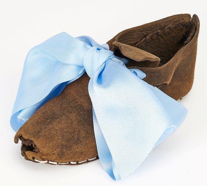 But Shoe Kazdy Krok Zostawia Slad Obuwie Historyczne Ze Zbiorow Muzeum Archeologicznego W Gdansku Exhibition Every Step Leaves A Footwear Accessories Band
