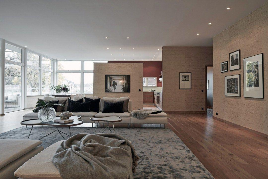 Piso sueco con salón de 74 m² Estilo nórdico, Pisos y Tiendas