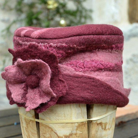 RESERVED LISTING Pink felt hat pink cloche felted hat von jannio