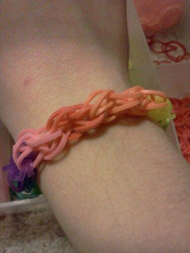 Rainbow loom new bracelet like hexafish but I call it the quadra.