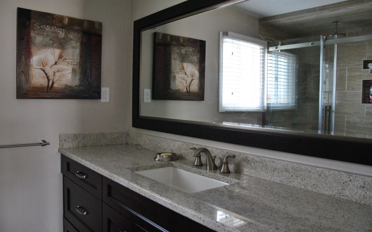 Gray and brown bathroom color ideas - Bathroom Countertops