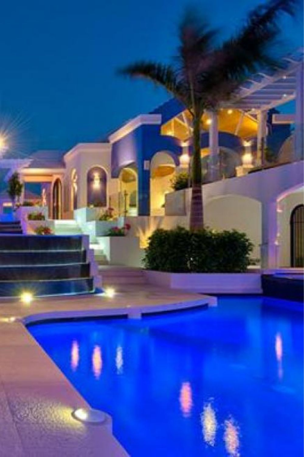 Hgtv S Mansion In Turks And Caicos Listed For 11 5 Million Mansions Beachfront House Luxury Pool