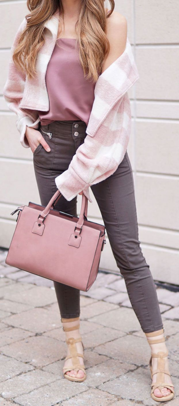 OMG THE PRETTIEST COLOR COMBO FOR SPRING!!! Marieu0027s Bazaar Is Pairing Army  Green With Pale Pink And Mauve Shades For The Perfect Spring Outfit. Theu2026