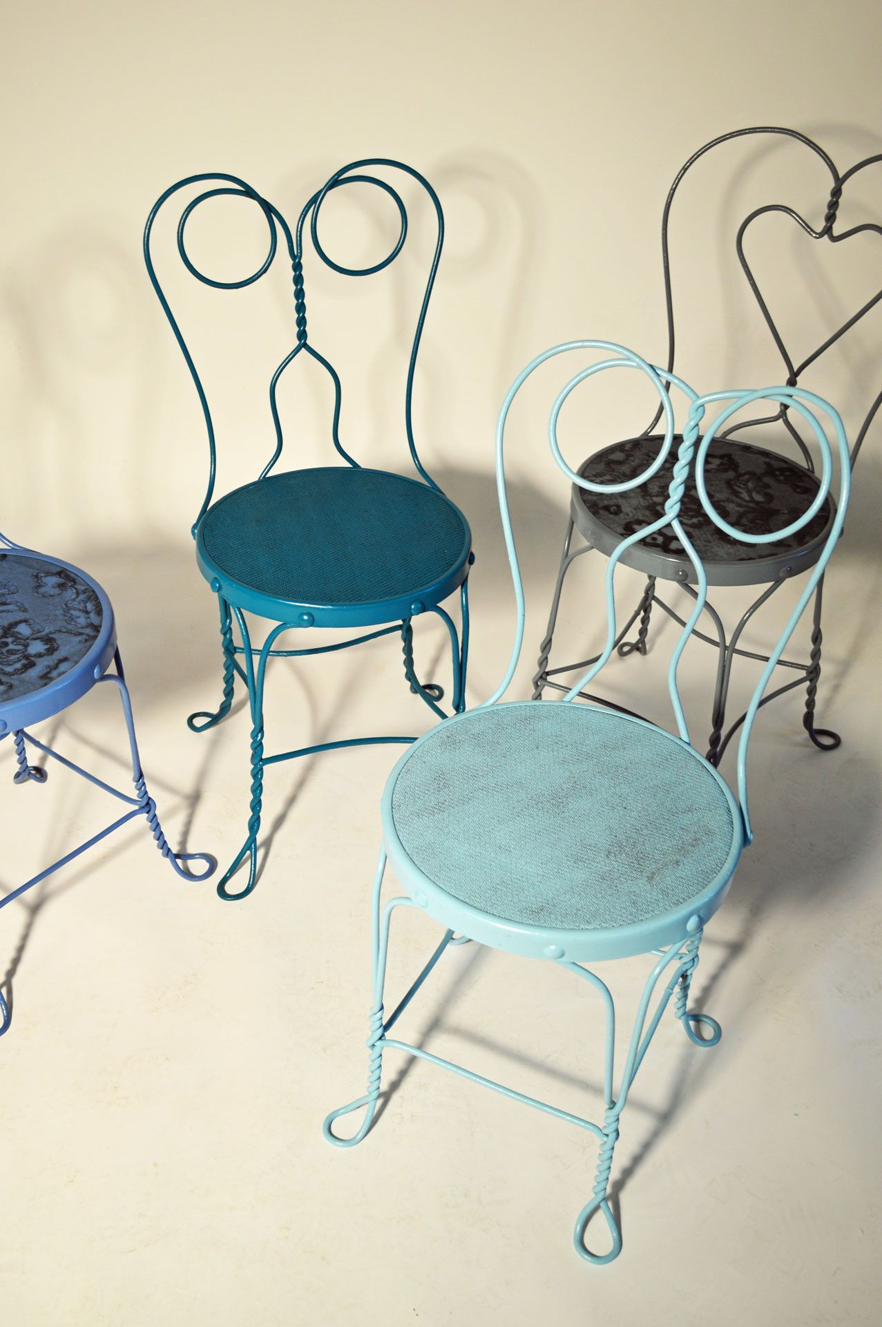 Ombre Blue Ice Cream Parlor Chairs Chairs Refinished  # Muebles Heladeria
