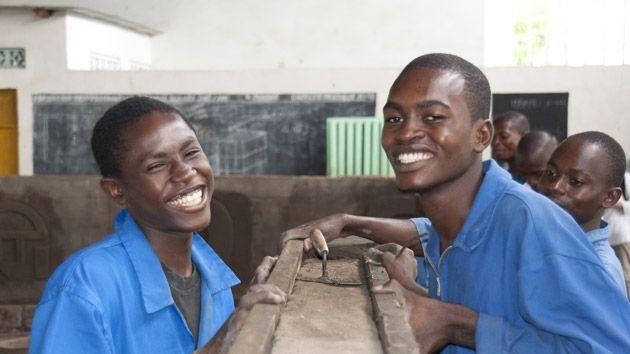 La exclusión y la falta de formación impiden a las jóvenes salir de la pobreza y de la marginalidad.