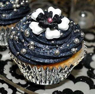Best 25 Black Frosting Ideas On Pinterest Black
