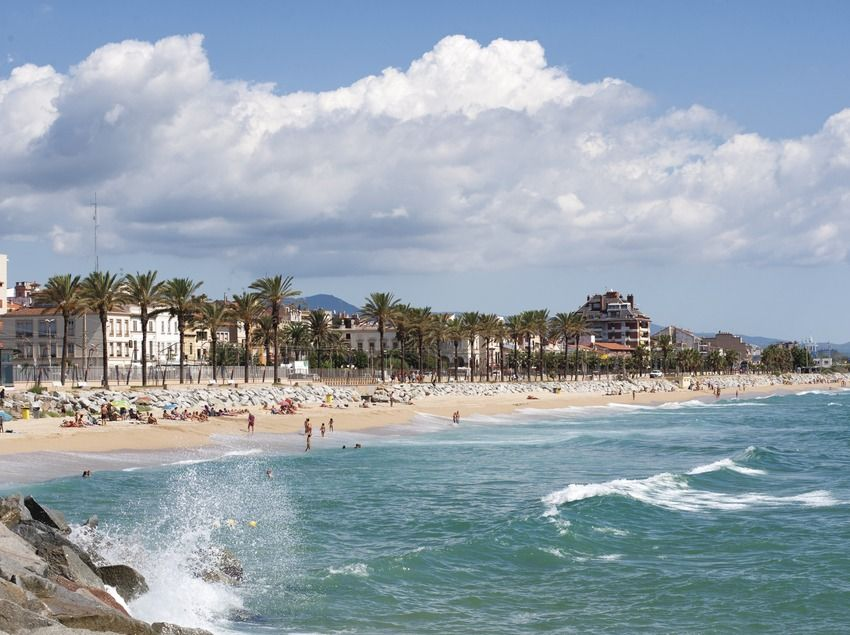 Vilassar De Mar This Pintoresque Town Of The Maresme Region Has A Strong Identity And Connection With The Sea Life Explore The Marvelou City Region Sea Life