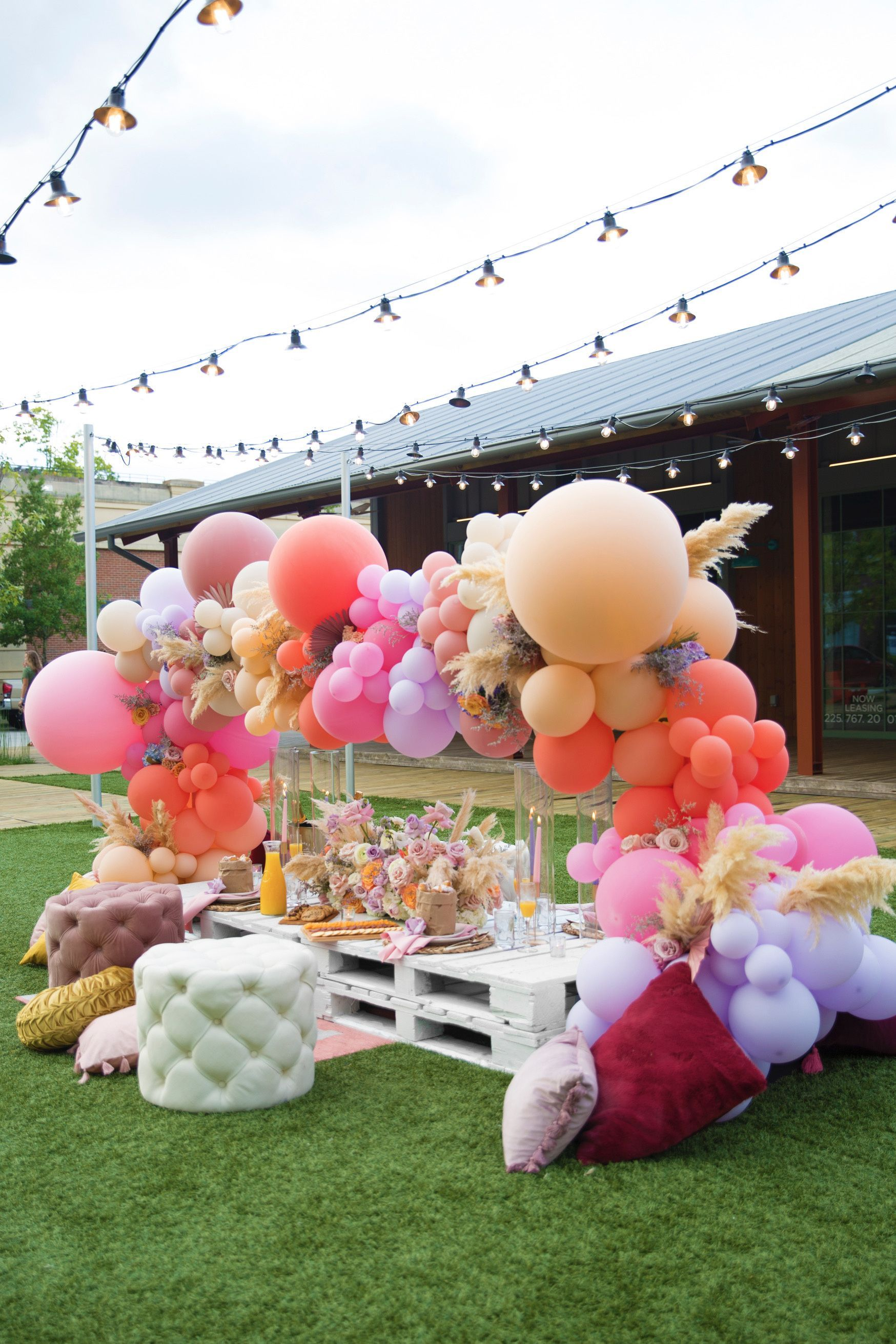 Beignets Balloons W Lovegood Wedding Event Rentals In Baton Rouge Flirty Bridal Shower Picnic In 2020 Picnic Decorations Balloons Outdoor Baby Shower