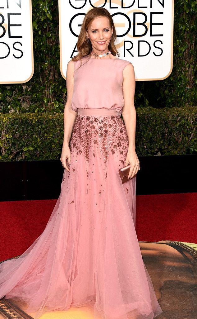 Leslie Mann from 2016 Golden Globes Red Carpet Arrivals | Vestidos ...