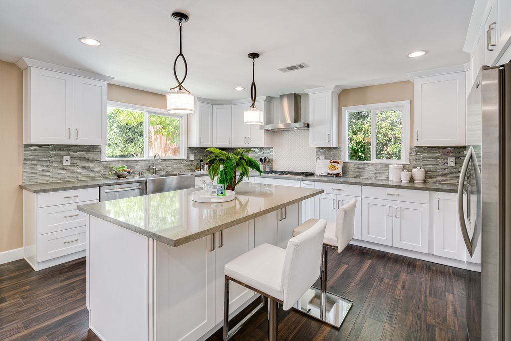 Sellers Give Buyers What They Want  Kitchens Real Estate And Fascinating Contemporary Style Kitchen Cabinets Design Decoration