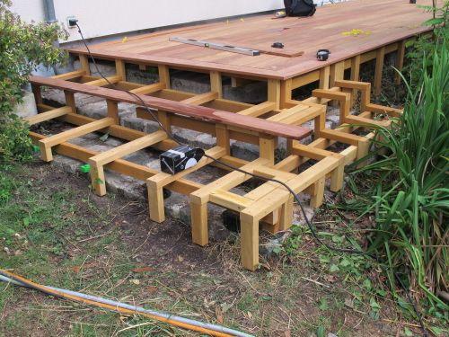 Structure de marches en bois pour terrasse en Cumaru Decking