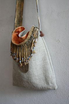 Salsa un Slouch Bag in lino antico con Handdyed di LaTouchables