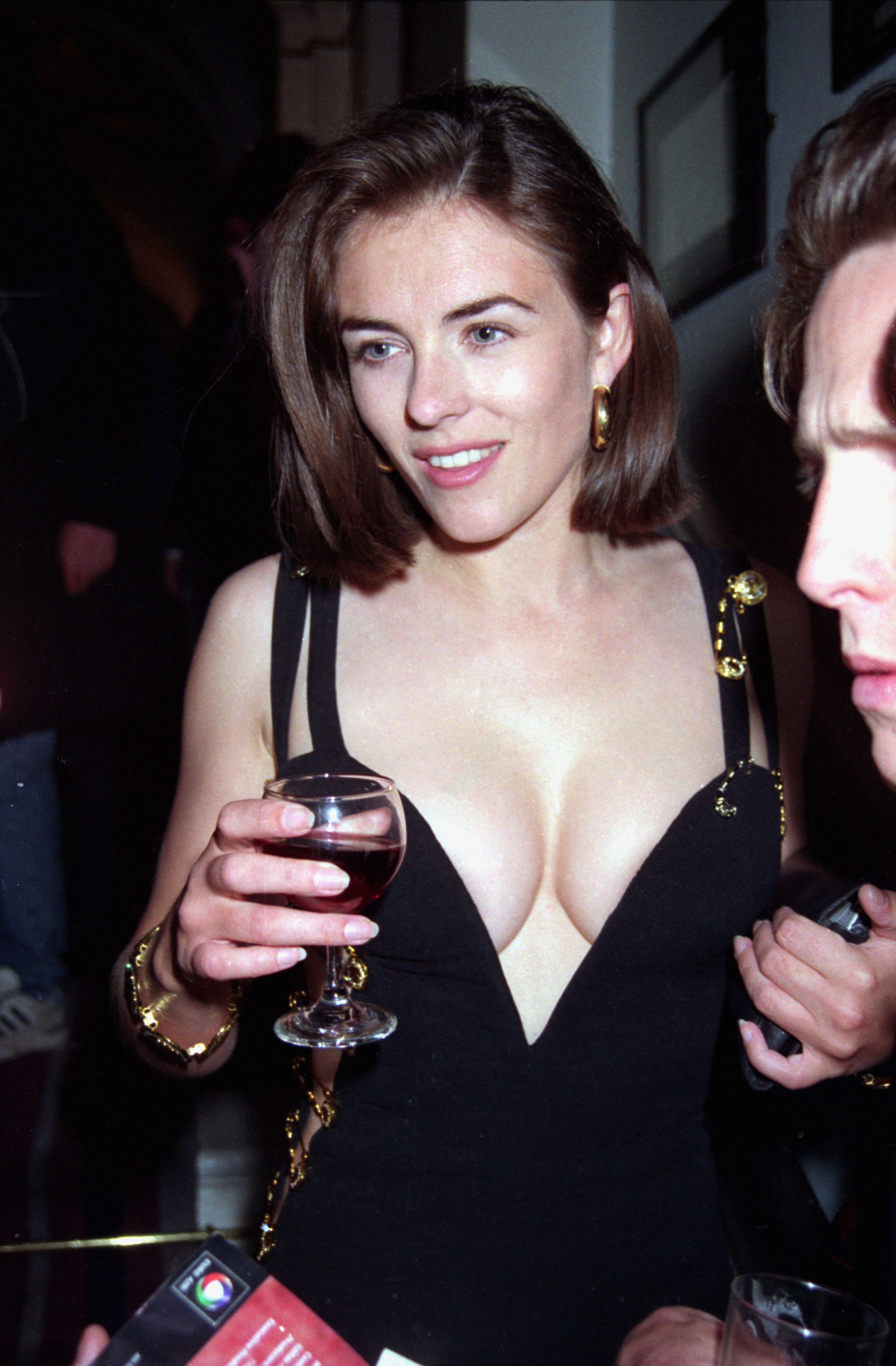 Liz hurley versace dress - Elizabeth Hurley Pictures And Photos