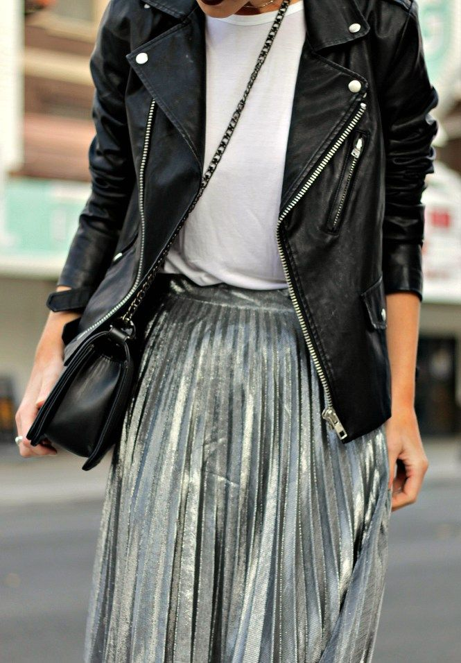 0e8c0eef9b76 How to rock the metallic trend this season with a pleated silver skirt