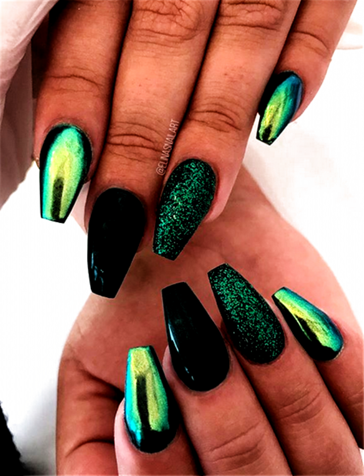 The Newest Autumn Fall Acrylic Coffin Nails Designs Coffinnails Fallnails Acrylicnails Pinknails Ombrena In 2020 Green Nails Green Acrylic Nails Green Nail Designs