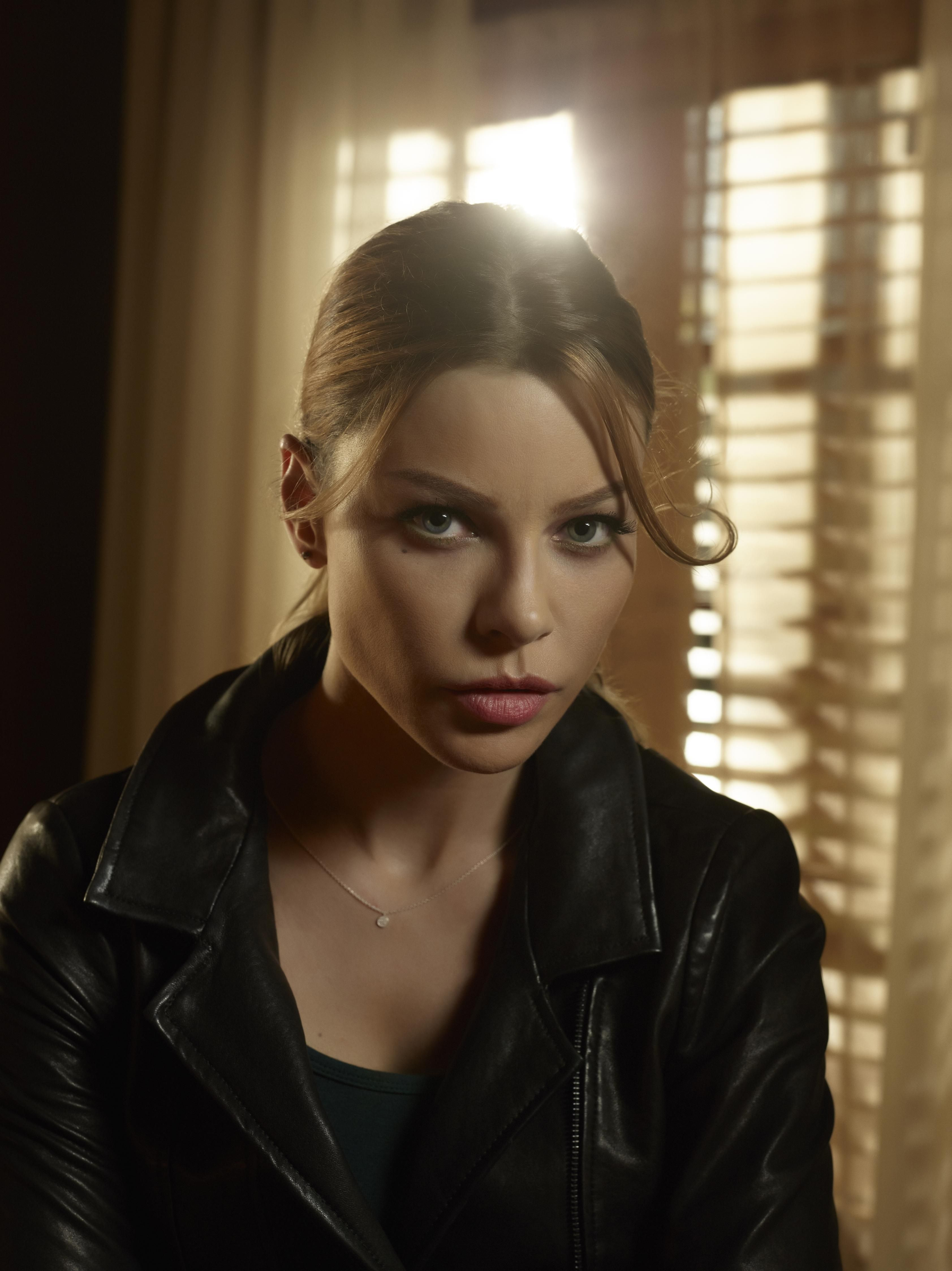 Lauren German | Lucifer | Pinterest | Lauren german ...