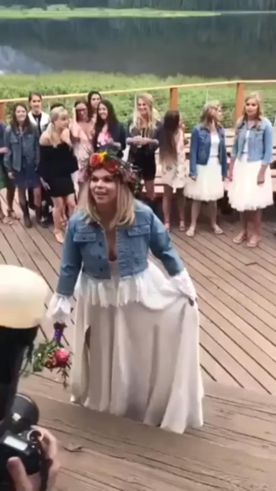 Best wedding gift #flowerdresses