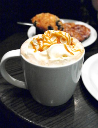 Afternoon at Starbucks with a coffee caramel macchiatto and some sweet treats