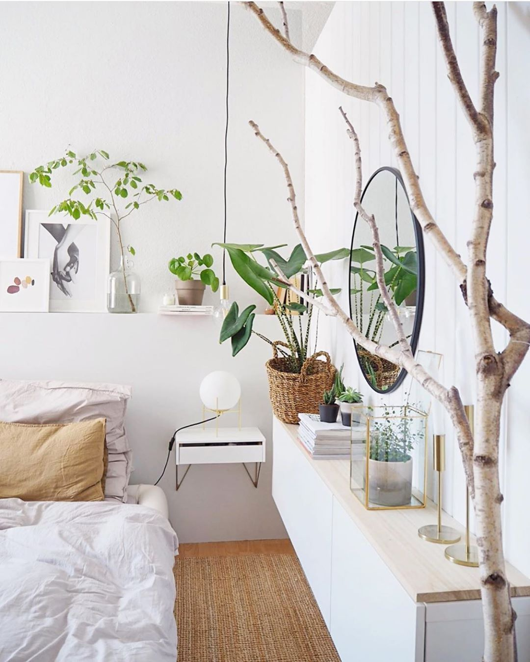 The Potted Jungle on Instagram bedroom alocasia in 2020   Natur schlafzimmer, Zimmer ...