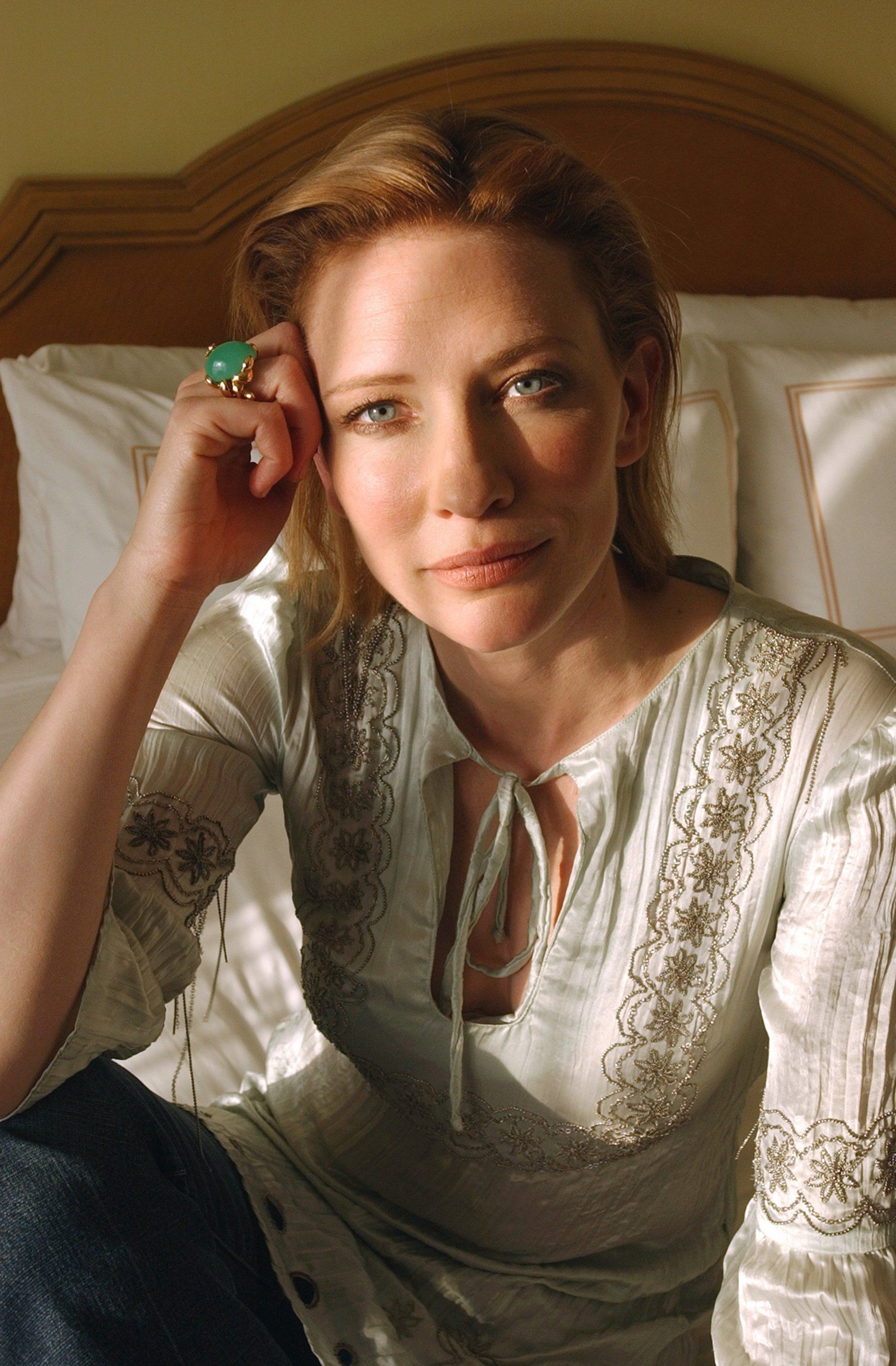 006 Vogue Australia 020 Cate Blanchett Fan Cate Blanchett