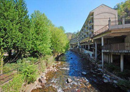 Bearskin Lodge In Gatlinburg Tn Trip Before Baby And Vacation