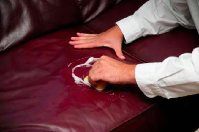 astuces pour shampouiner un canap ou un fauteuil entretien et nettoyage de la maison. Black Bedroom Furniture Sets. Home Design Ideas