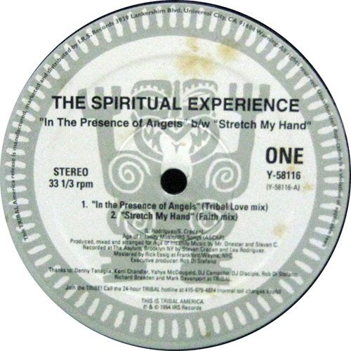Spiritual Experience, The - In The Presence Of Angels / Stretch My Hand ディープハウス・トラック。 Tracklist One A1 In The Presence Of Angels (Tribal Love Mix) A2 Stretch My Hand (Faith Mix) Other B1 In The Presence Of Angels (Messenger Of God Mix) B2 Stretch My Hand (Healing Mix)
