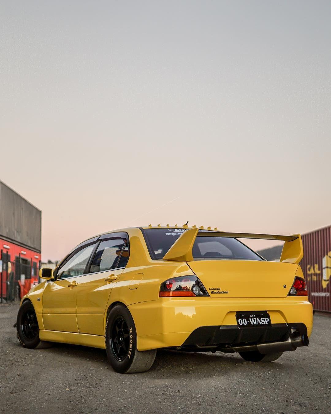 Mitsubishi Lancer Evo 8 Wallpaper: #evo #evogram #thelowdown #downshiftaus #divisionone
