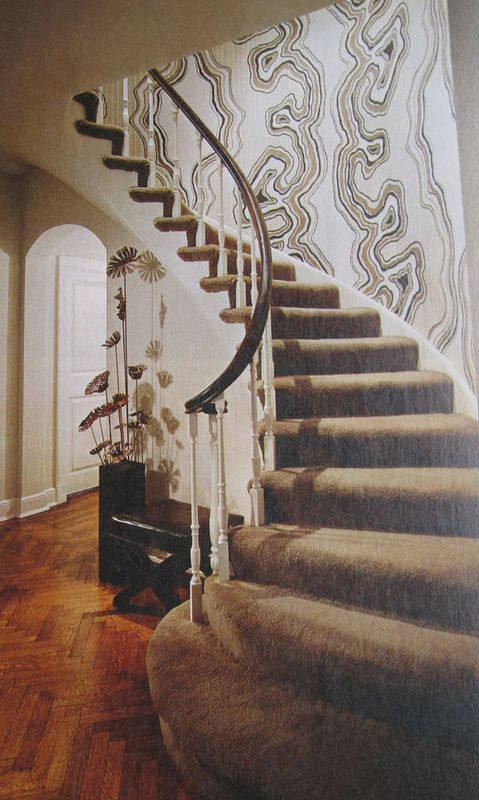 70's wallpaper in entryway up stairs   My Point Of View RETROSPEKTIVA   1970s decor, Retro home ...
