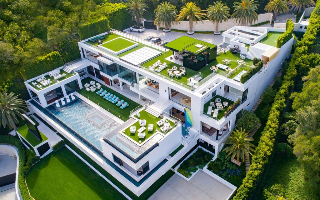Video Of The Week A Mega Mansion For The Insanely Rich Mansions Mega Mansions Bel Air Road