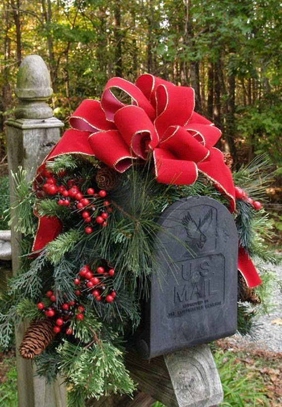Outdoor Christmas Decoration Ideas - Mailbox Garland - Click Pic for 20 Front Porch Christmas Decorating Ideas by Debracaron Caron & Would like a mailbox like this in our driveway garden since we no ...