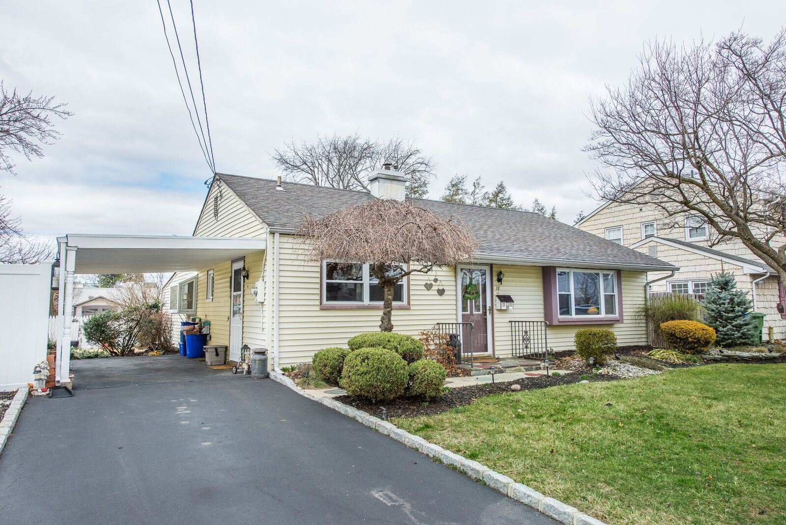 Edison, NJ Maintenance Free Ranch Features Updated Kitchen With Maple  Cabinets, Gas Range And Microwave/convection Oven. The Home Has Newer  Windows, ...