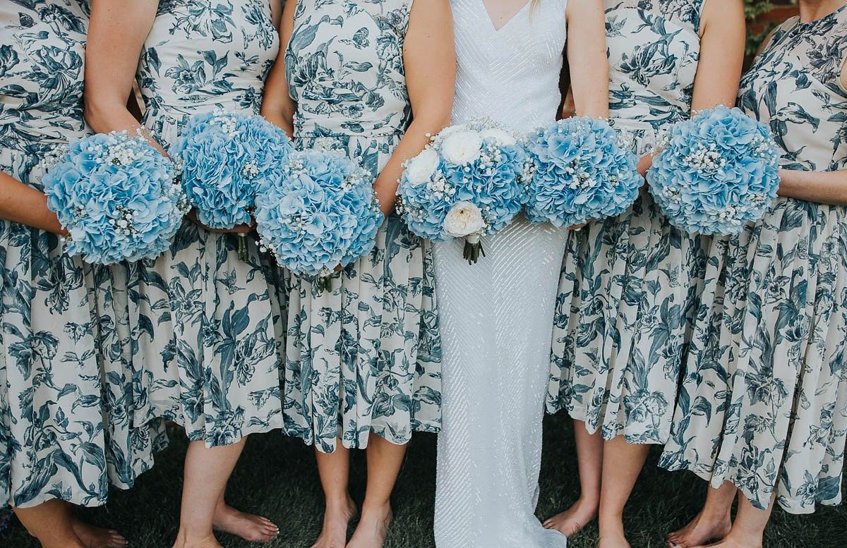 Blue wedding flowers. Photography by http://www.purplepeartreephotography.com/