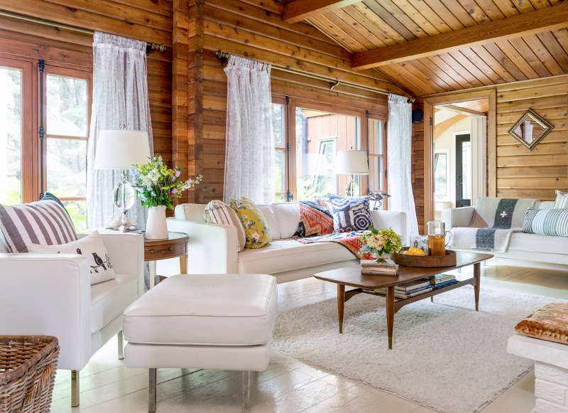 The Curse Of Orange Knotty Pine Walls Desire To Inspire Desiretoinspire Net Knotty Pine Walls Log Home Interior Knotty Pine Living Room