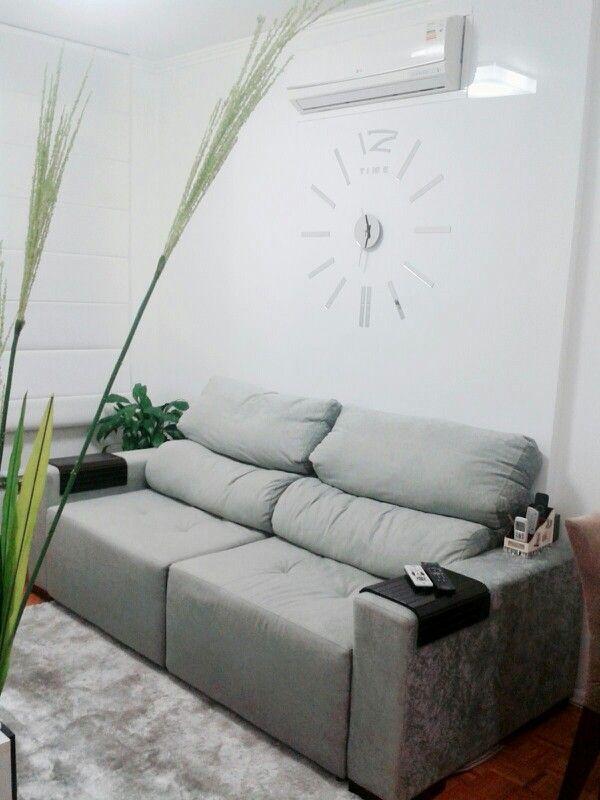 Relógio moderno de parede, painel, ar condicionado, tv, sofá
