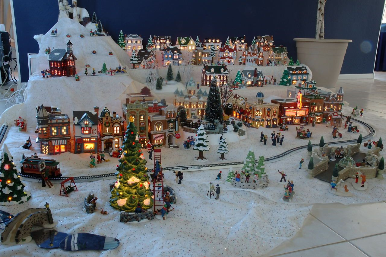 Xmas village display setups gene 39 s snow village pictures for Decoration 56