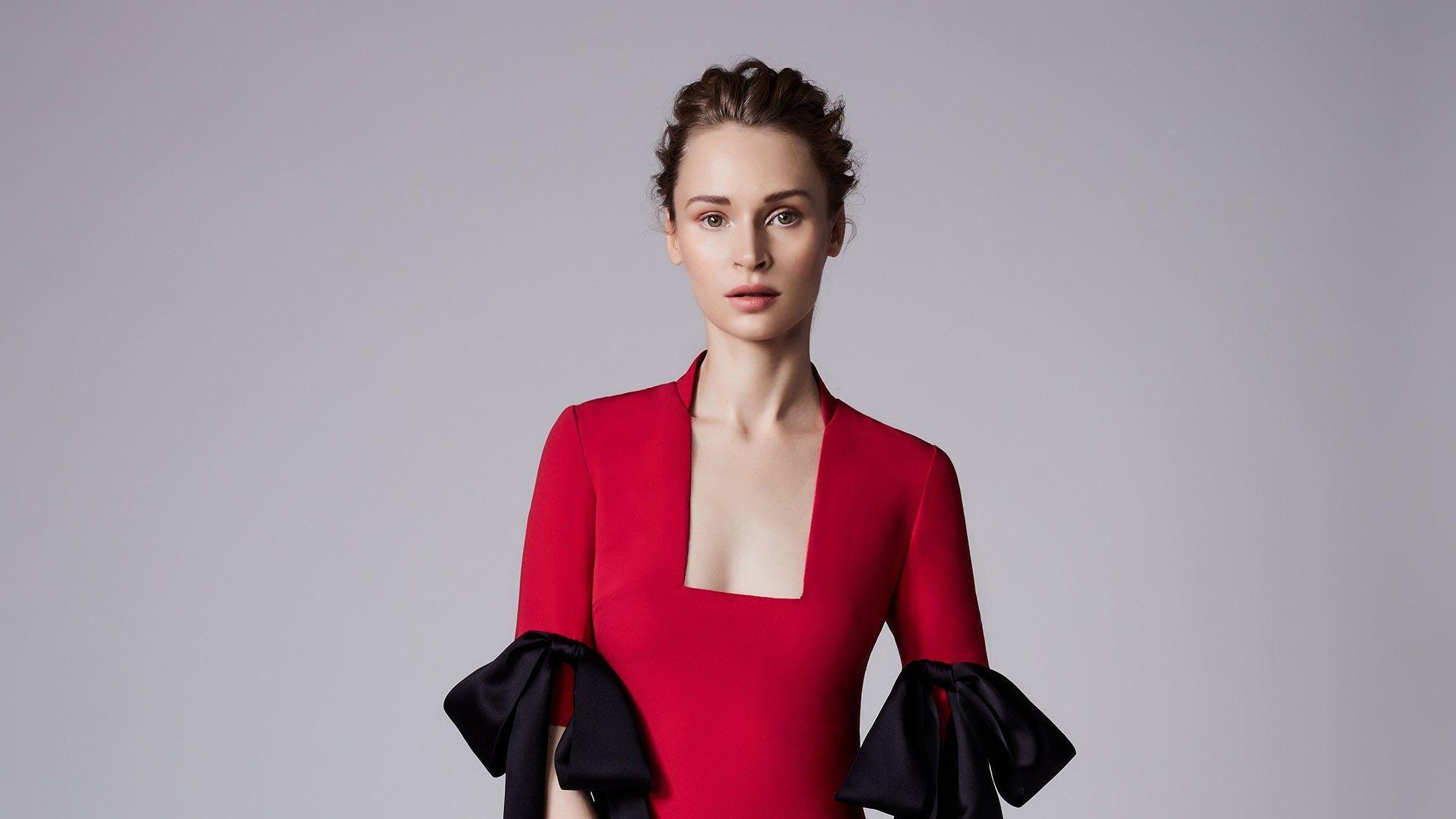 Reem Acra Resort 2018 Fashion Show In 2020 Fashion Fashion Show Dresses