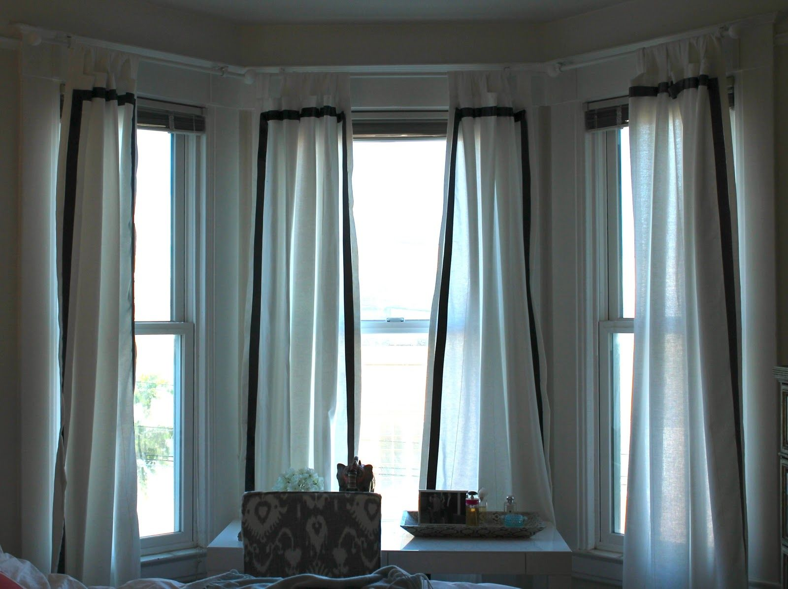 Patterns for bay window valance designs modern curtain Window curtains design ideas