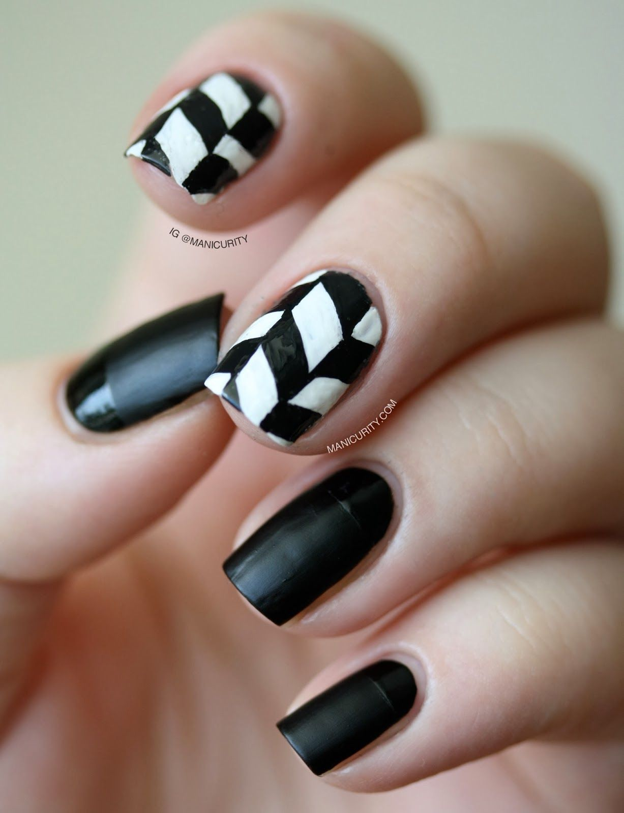 Edgy Freehand Herringbone Nail Nailart Bw Beautynails