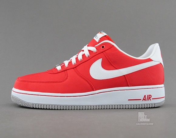 low priced daa23 91525 Nike Air Force 1 Low Nylon University Red Detailed Pictures